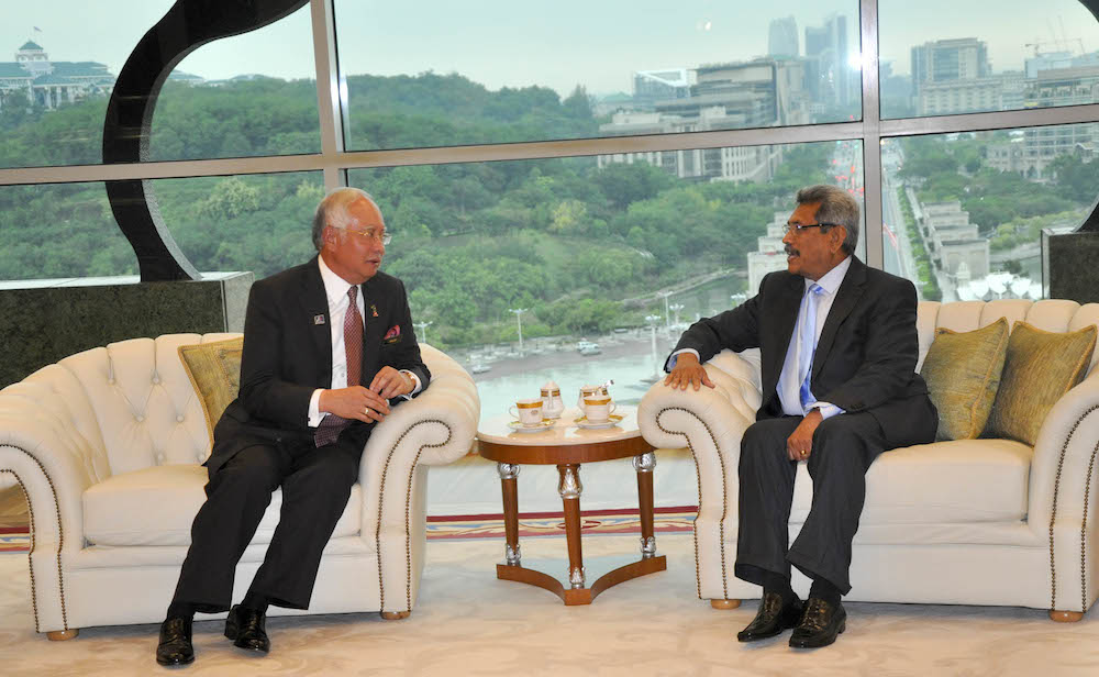 secretary defence meets the prime minister of malaysia