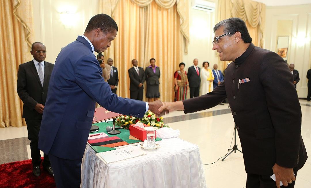 Presenting_Credentials-Zambia-2a